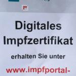 Hinweis Plakat zum digitalen Impfzertifikat des Landes Niedersachsen im Impfzentrum Braunschweig.